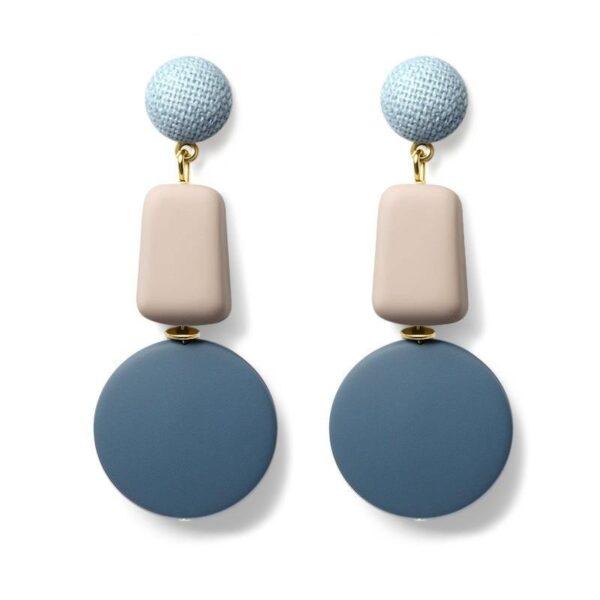 Boucles-d-oreilles-en-bois-et-résine-pendante-bleu