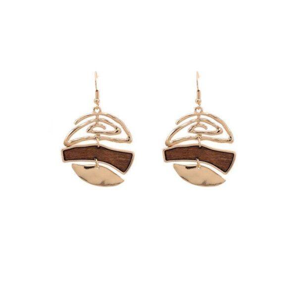 Boucles-d-oreilles-pendantes-forme-arrondi-en-bois