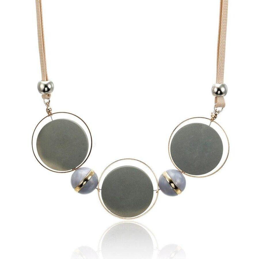 Collier-en-bois-fantaisie-perle-grise