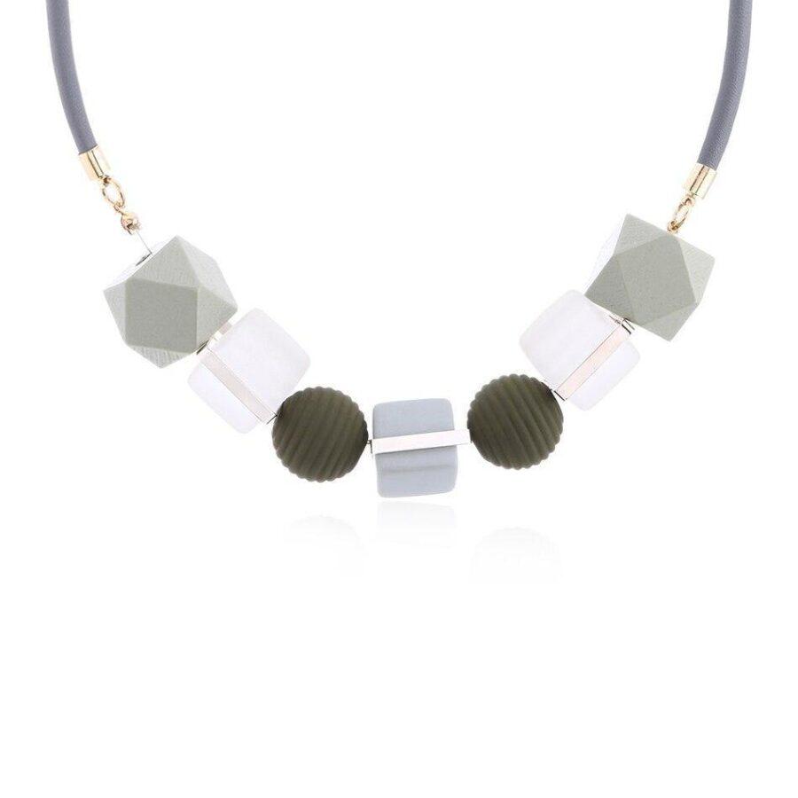 Collier Perle de bois   Véro 4