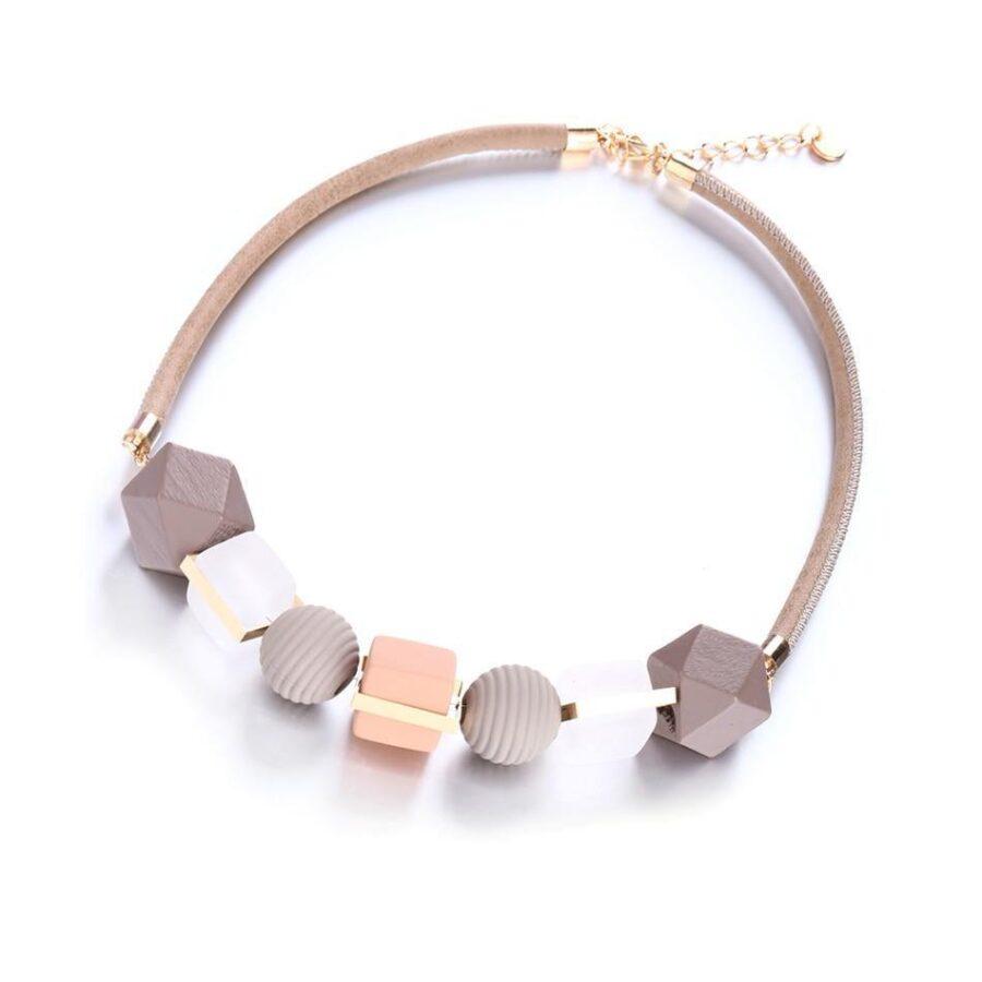 Collier Perle de bois   Véro 1