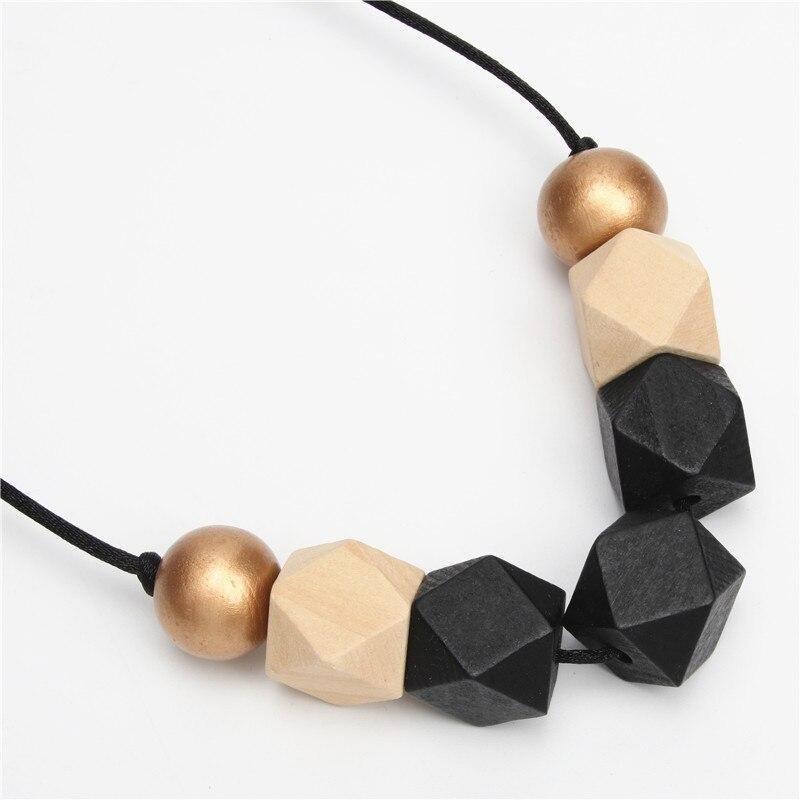 collier en perle bois