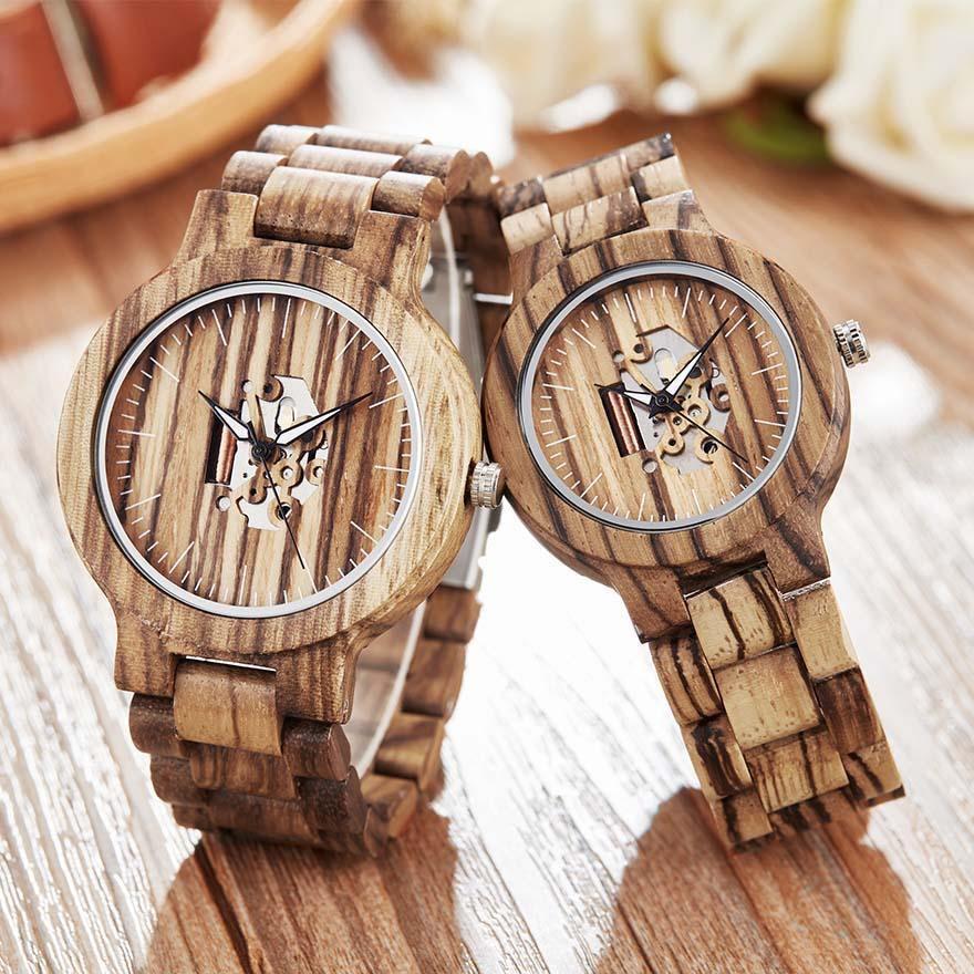 montre en bois couple