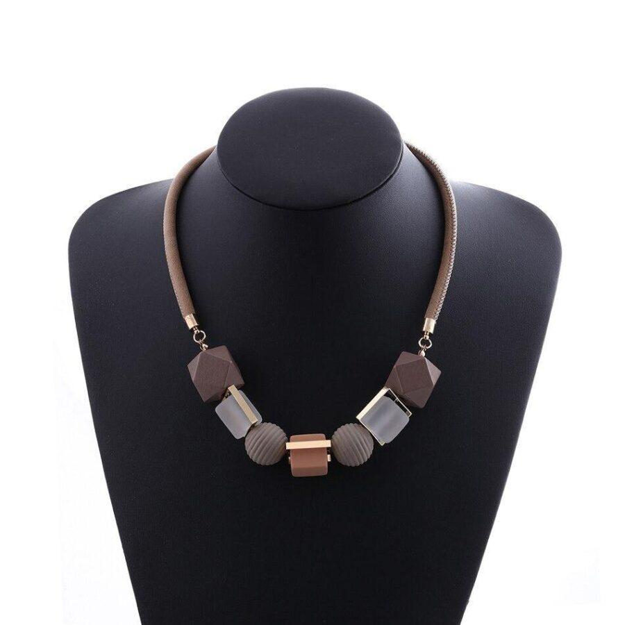 Collier Perle de bois   Véro 6